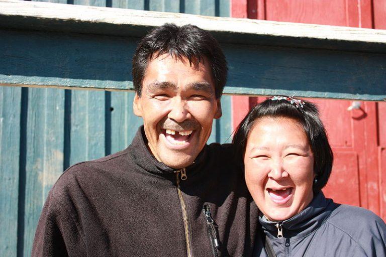 800px Kulusuk Inuit couple 6822265499