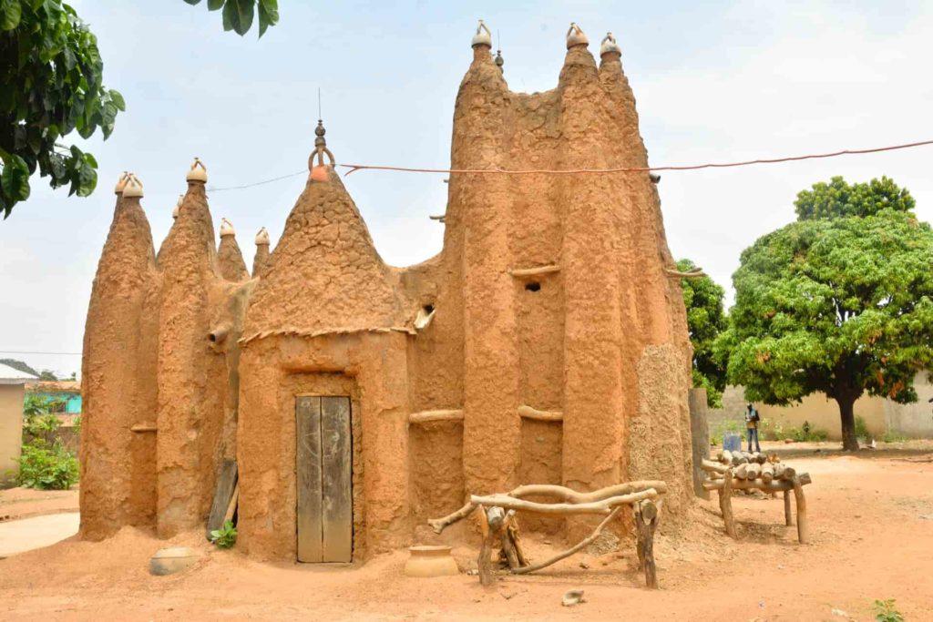 13Mosquees de style soudanais du nord ivoirien